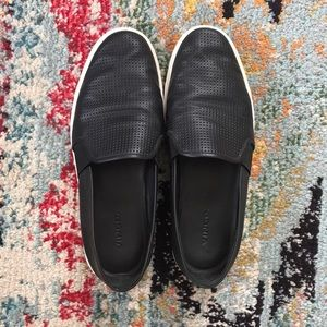 Black Vince Slip On sneakers very good condition!